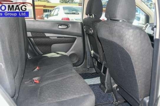 Nissan Wingroad image 6