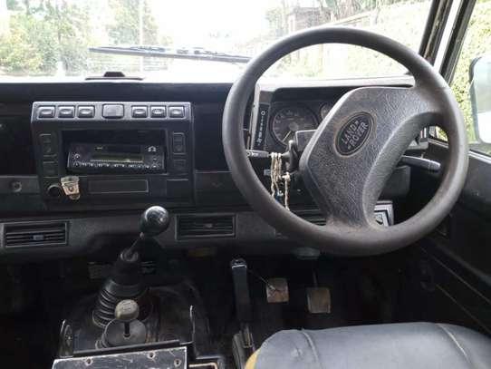 Land Rover Defender 110 image 3