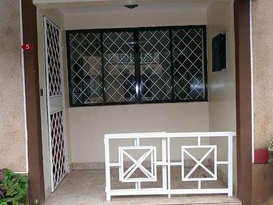 3 bedroom house for rent in Kileleshwa image 4