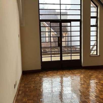 TOLET in #LAVINGTON . 5bedroom all ensuite, image 8
