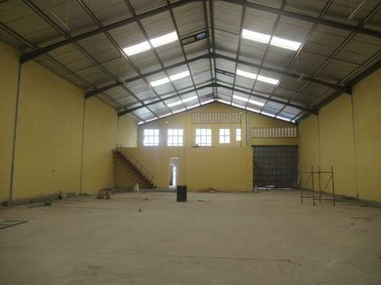 650 m² warehouse for rent in Athi River Area image 14