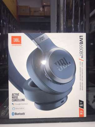 JBL LIVE 650BT - Around-Ear Wireless Headphone with Noise Cancellation - Black image 2