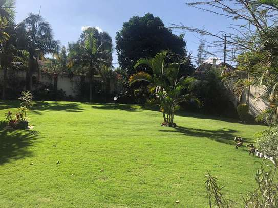 Furnished 6 bedroom house for rent in Runda image 3