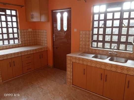 2 bedroom house for rent in Kitengela image 4
