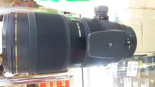 Canon camera lens image 3
