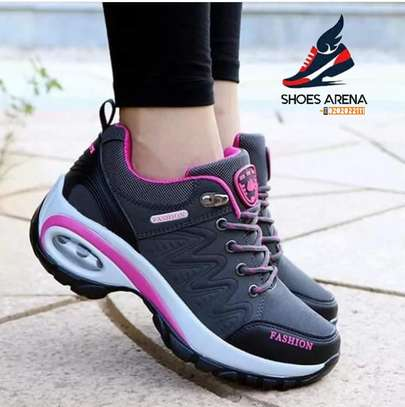 Fashion sneakers image 8