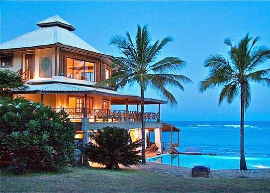 Furnished 10 bedroom villa for sale in Diani image 20