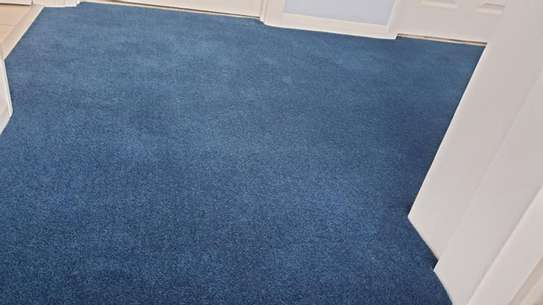 BLUE Wall to wall carpets image 4