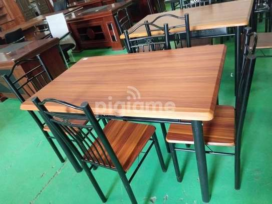 4 Seater Dinning Table image 3