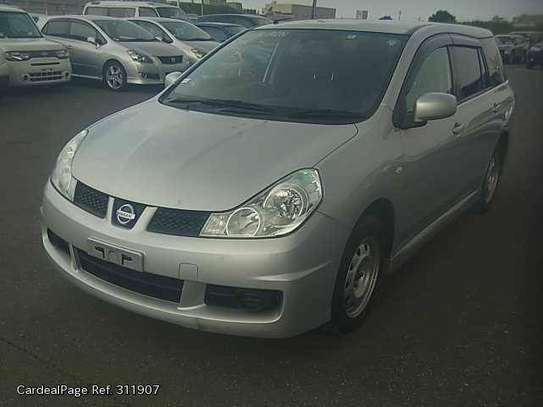 Nissan Wingroad image 2