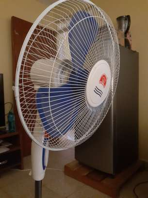 16 inch Fan stand , blue and white image 3