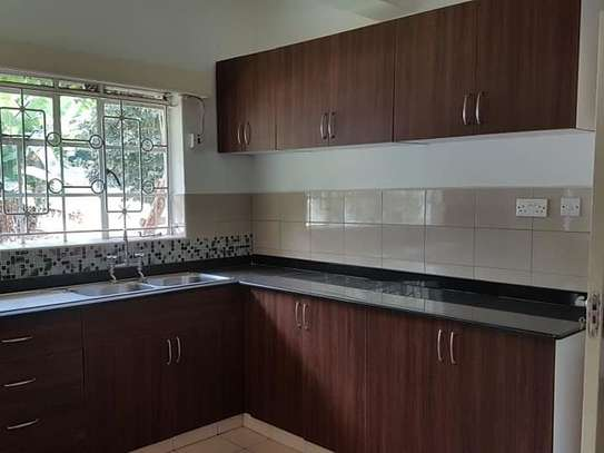 5 bedroom house for rent in Rosslyn image 5