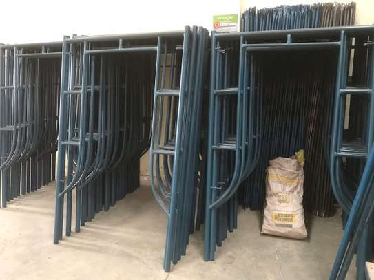 Scaffolding ladders for hire/leasing image 3