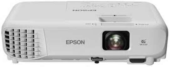EPSON PROJECTOR S05