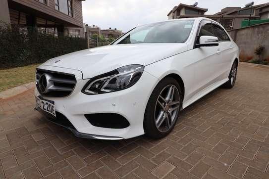 Mercedes-Benz E250 image 2