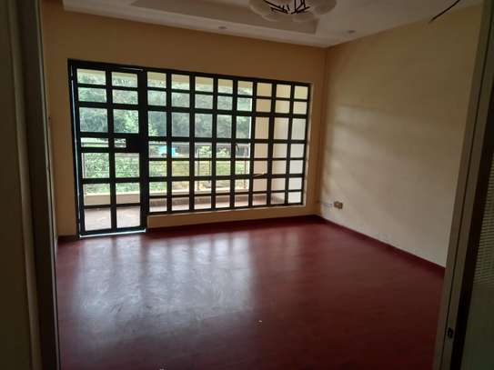4 bedroom villa for rent in Lavington image 10