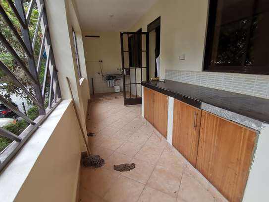AN EXCEPTIONAL 3 BEDROOM APARTMENT ALL ENSUITE WITH DSQ image 8