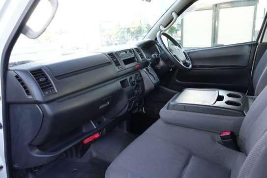 Toyota HiAce image 3
