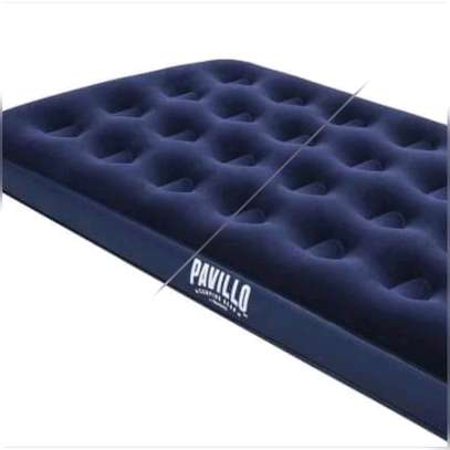 Inflatable matress image 1