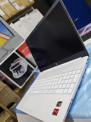 HP 15s NoteBook PC image 3