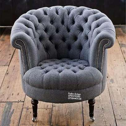 One seater chesterfm sofa/accent chairs image 1