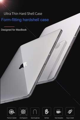 Wiwu 16 iSHIELD Hard Shell For Macbook 16″ Black image 3