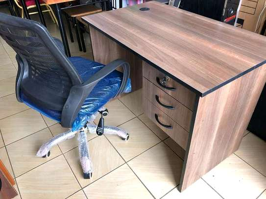 Office/study desks image 4