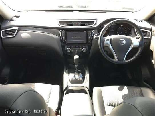 Nissan X-Trail image 3