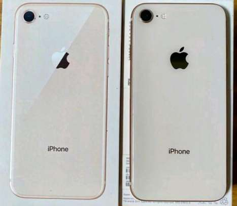 Apple Iphone 8  [ 256 Gigabytes ] With Charging Pad image 2