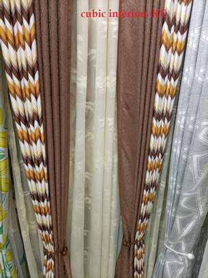 CURTAINS TOGETHER WITH BLINDS image 2