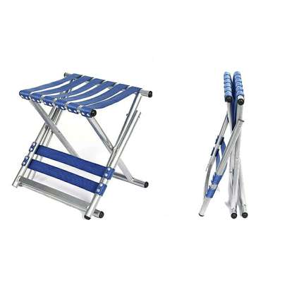 Foldable chair image 1