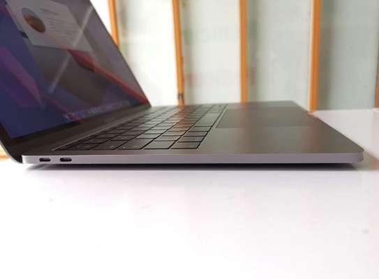 MacBook Pro 13 A1708 Retina 2017 core i5 16gb ram 256gb Ssd u image 1