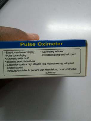 pulse oximeter image 2