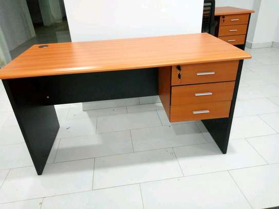 Office desk 1.4m