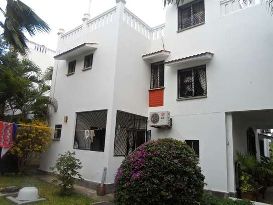4 bedroom house for sale in Mkomani image 19