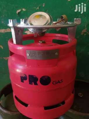 6kg Gas cylinder 3/4full+ grill & burner