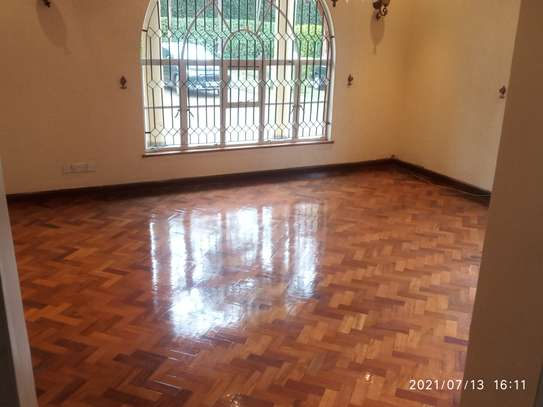 Spacious 4 bedroom home to to let@ Garden estate image 10