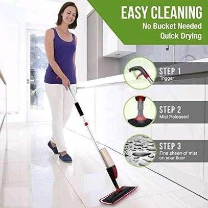 2 in 1 spray mop image 2