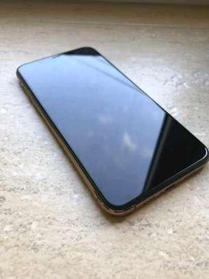 Apple Iphone 11 Pro Max .. 512 Gigabytes image 3