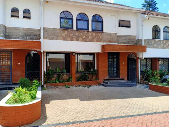 4 bedroom house for rent in Brookside image 1