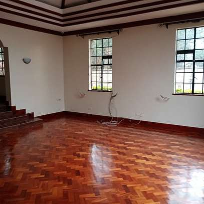 AN EXECUTIVE 4 BEDROOMS TOWNHOUSE WITH DSQ image 8