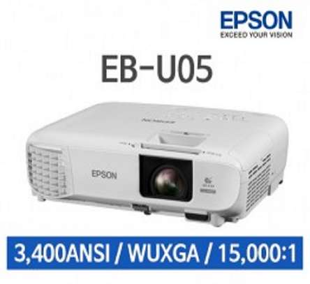 Epson EB U05, WUXGA-HD projector image 1