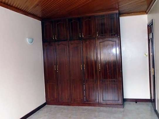 3 bedroom house for rent in Kileleshwa image 6