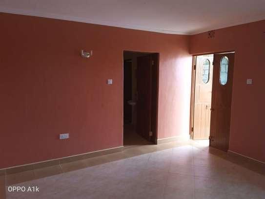 2 bedroom house for rent in Kitengela image 16