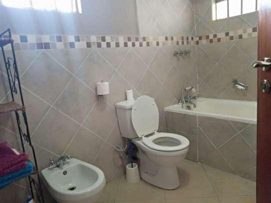 1 bedroom house for rent in Karen image 11