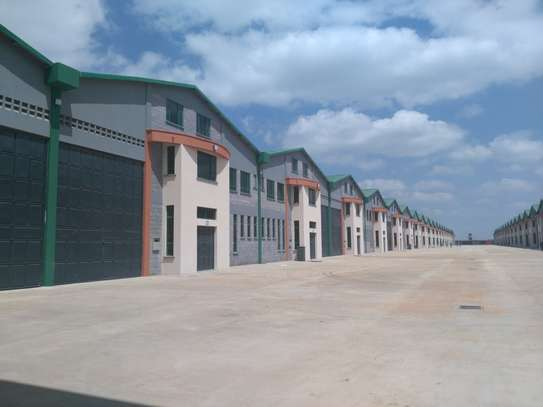 11100 ft² warehouse for rent in Mombasa Road image 3