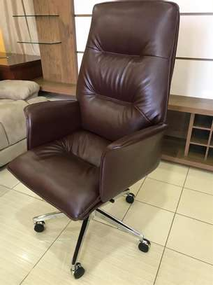 Executive non recliner Office Chair image 1
