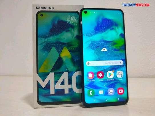 Samsung M40,wholesale price image 2