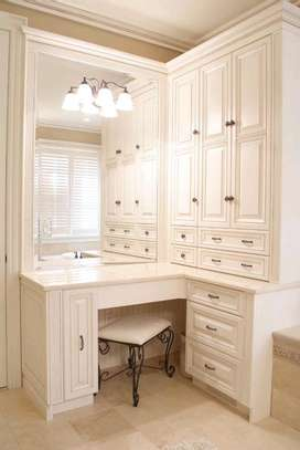 White inbuilt kitchen cabinets image 1