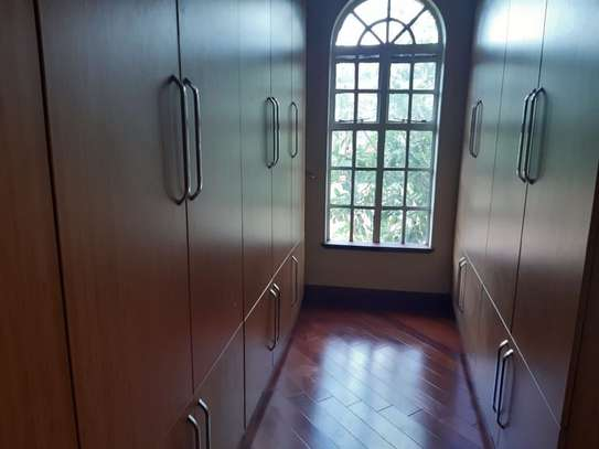 5 bedroom house for rent in Karen image 8